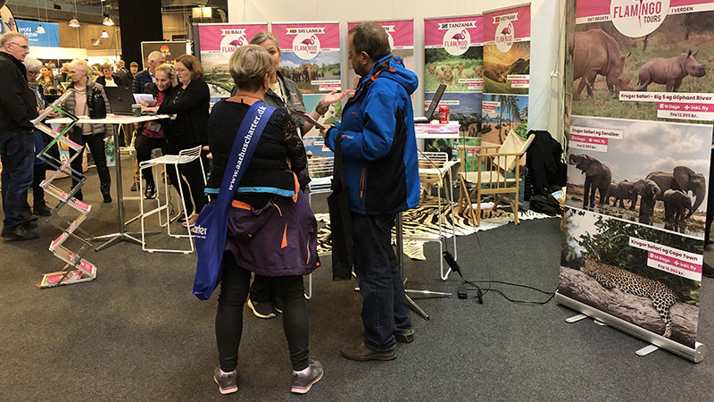 Flamingo Tours messestand ved Ferie for alle